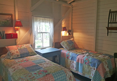 Search_clrock.22_note_guest_cottage_