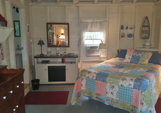 Search_clrock.24_note_guest_cottage_