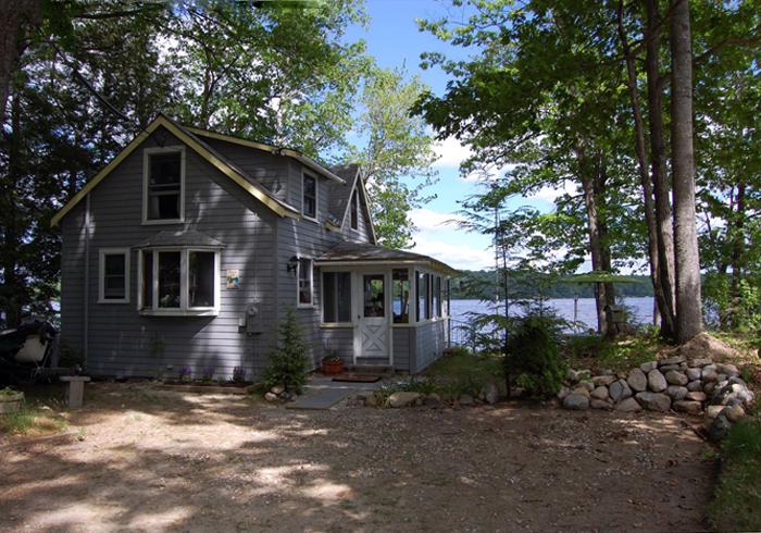 Maine Sebago Lake Region Vacation Rental llbinn.1.jpg