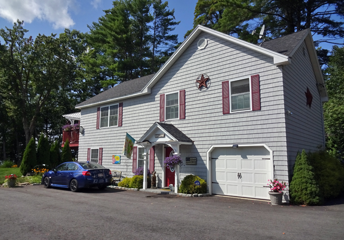Maine Sebago Lake Region Vacation Rental llfris.2.JPG