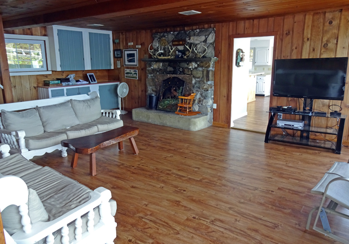 Maine Sebago Lake Region Vacation Rental lsmast.10.jpg