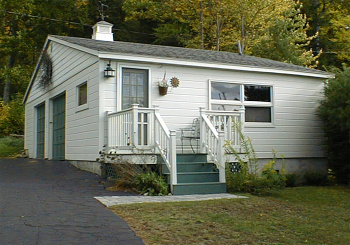 Maine Sebago Lake Region Vacation Rental sllamp.10.jpg